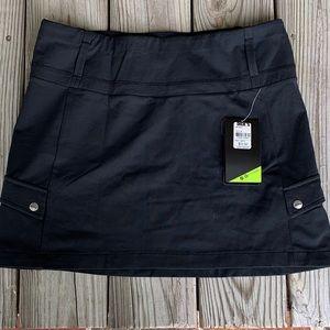 Koppen Saxon Cargo Skirt in Black. Size Medium NWT